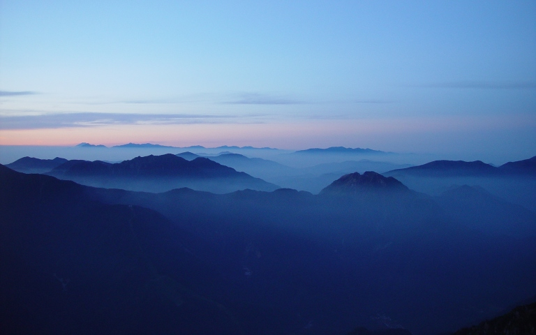 Mount_Fuji_and_Akaishi_Mountains_from_Mount_Kasa